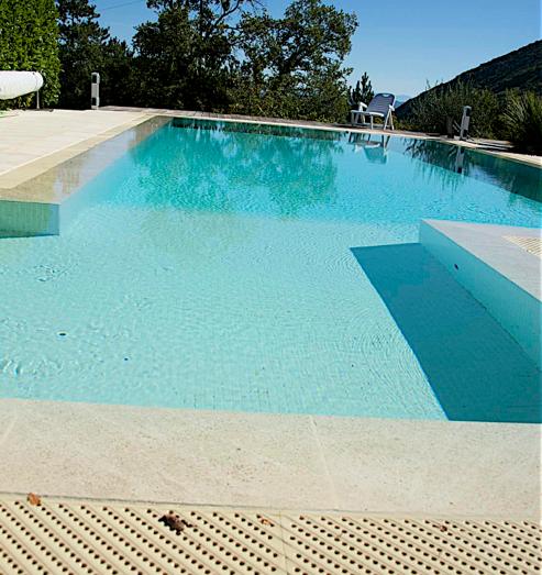 comment faire renover ma piscine vaucluse. Black Bedroom Furniture Sets. Home Design Ideas
